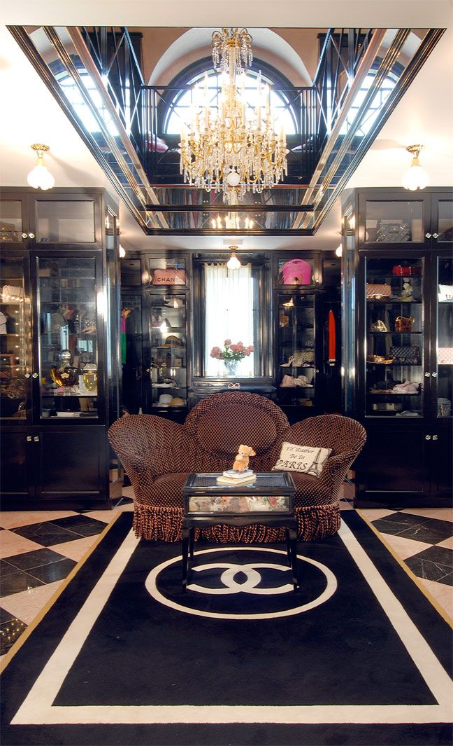 $5,000,000 Chanel-inspired closet (again)    video tour--> http://curbed.com/archives/2011/08/31/come-take-a-tour-through-a-5m-closet-inspired-by-chanel.php
