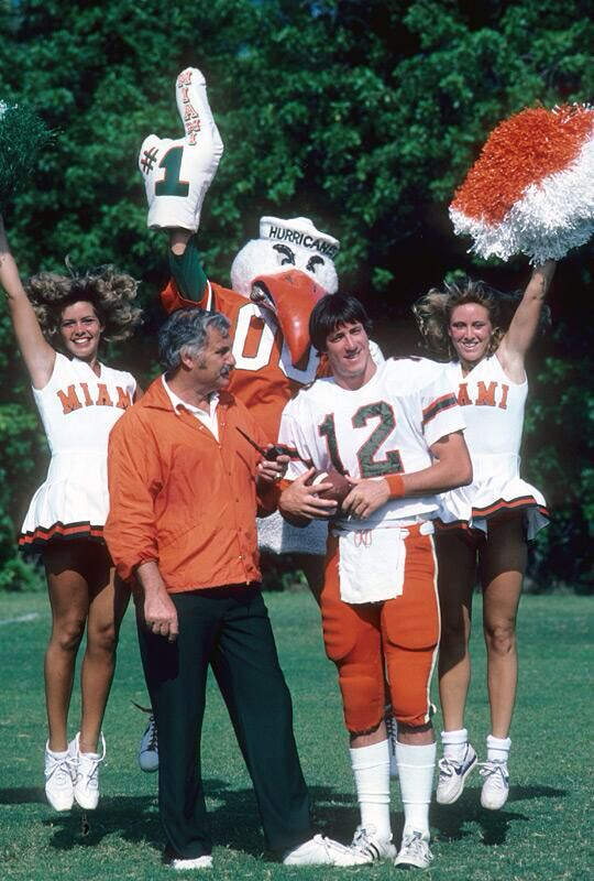 Howard Schnellenberger & Jim Kelly 1982
