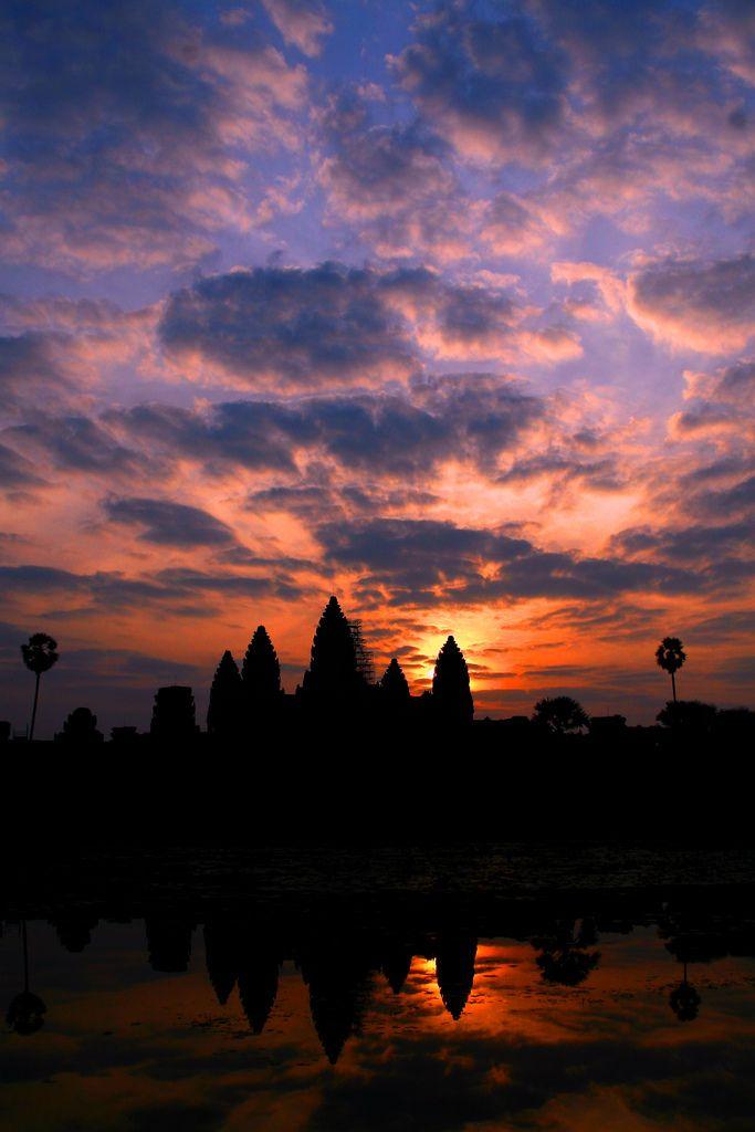 Angkor Wat, CambodiaBuckets Lists, Wat Sunris, Travel Fun, Amazing Travel, Magic Places, Sunrises Sets, Angkor Wat Cambodia, Sunrises Sunsets, Siem Reap