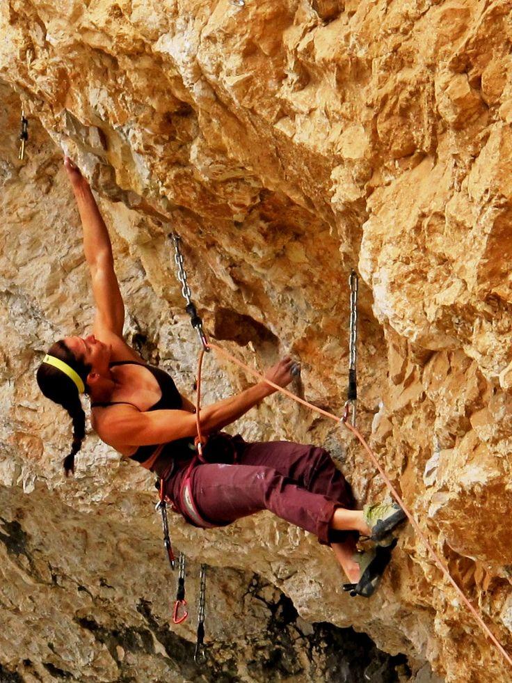 backstepping Climbing, Rock climbing, Bouldering