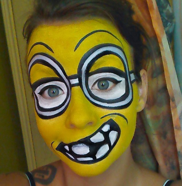 Empress Makeup: 3 Latest videos, Rainbow Skeleton, Minion Face ...