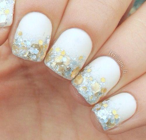 White + glitter #nails #nailart #beautyinthebag