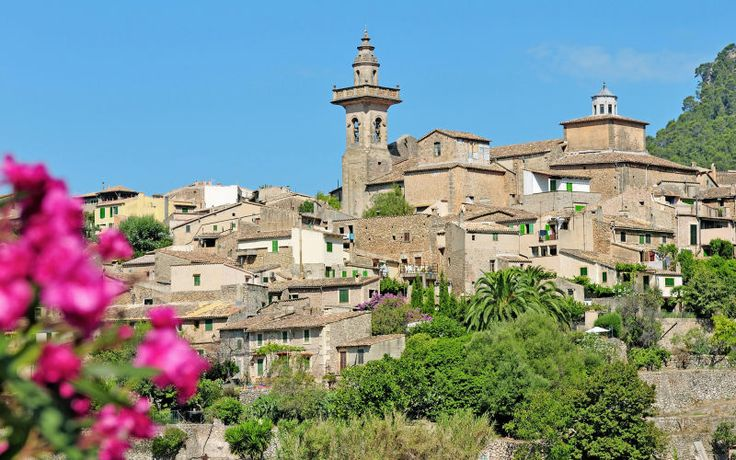 Tag på en varm sommerferie til Mallorca med familien. Se mere på www.apollorejser.dk/rejser/europa/spanien/mallorca