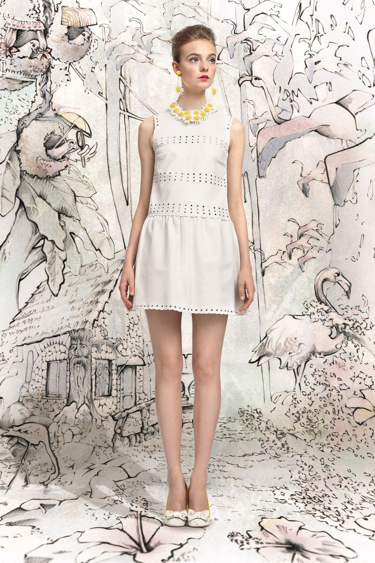 spring-2013-ready-to-wear/red-valentino/collection/3