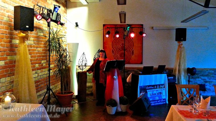"""ine sehr schöne Feier im sehr schönen Möllers Restaurant Salischer Hof in Schifferstadt Im engen Familien und Freundeskreis mit ca. 40 Personen wurde bis in die Nacht getanzt und gefeiert. Musikalischer roter Faden war """"Classic Rock"""" aus den 70ern"""
