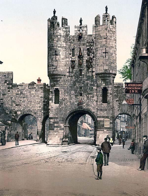 Micklegate-England.jpg (600×793) City of York, Yorkshire, England.   The Sharp family lived here in the 1890s.