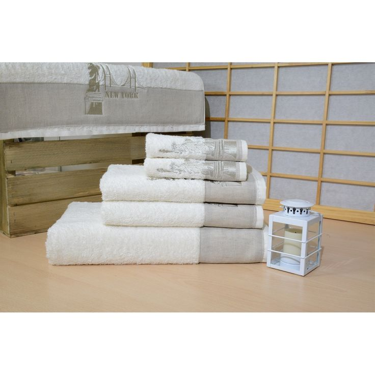 Remember the greatest city in the world with this monogramed towel set. Made from plush Turkish cotton, they will reward you with soft elegance every time you use them.