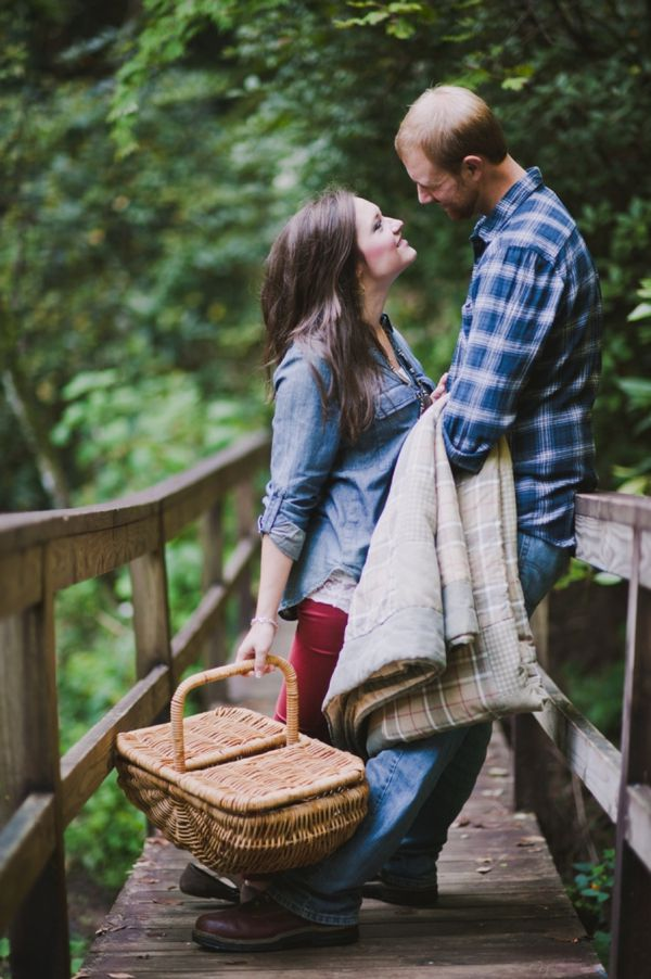 A love-filled, casual engagement session from Lindsay Alexander Photography. Just two people in love going on a picnic in the woods, being all love-y-dove-y and stuff.