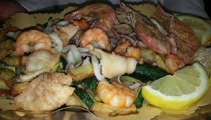 Frittura di pesce dell'Adriatico #frittodipesce #marche #hotelimperialmarotta