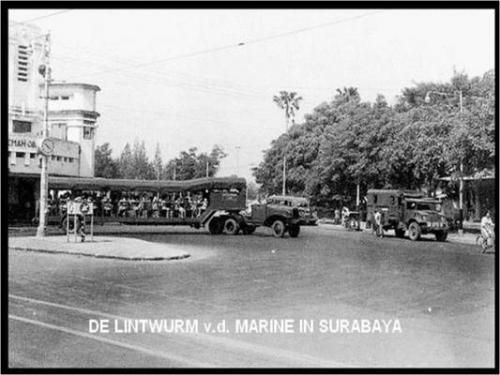 Parade militer tentara KNIL di Jl. Simpang (Kaliasin) 1937