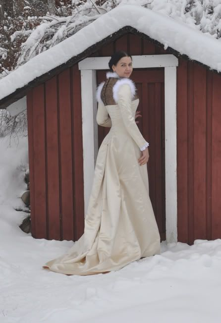 Natural form princess line dress-this blog has the most beautiful historical fashion recreation I have ever seen.