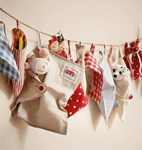 Inturage Classic Christmas Home Decoration 21