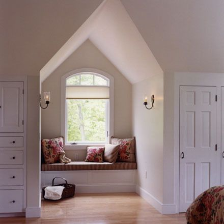 It is tiny space for siting and see the view outside. Look so cute. #capecodstylehomes http://thelocalrealty.com