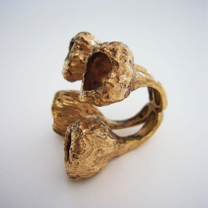 Martino & Mazzolini anello Bacche in bronzo.