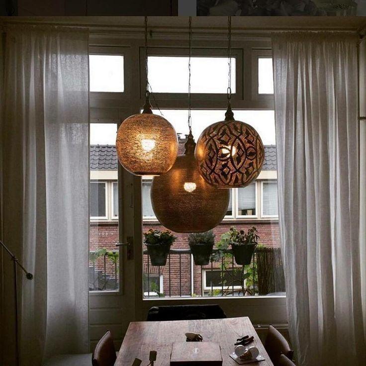 www.dePauwWonen.nl Deze handgemaakte Filigrain hanglampen passen niet alleen in…