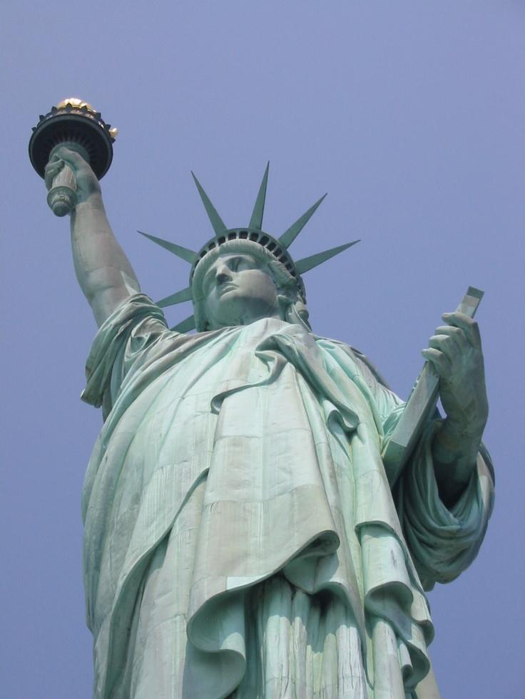 Statue of Liberty: Statut Monu, Lighthouses Visit, Statutes Monu, Lights House, Statue Of Liberty, Guide Lights, Statues Of Liberty, New York, Ladies Liberty