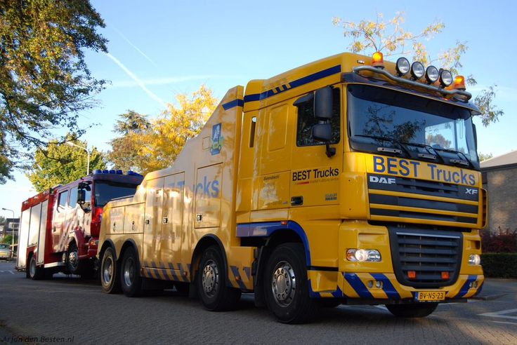 Ook brandweerwagens kunnen met pech te kampen krijgen | Tankautospuit brandweer Ridderkerk weggetakeld wegens defect