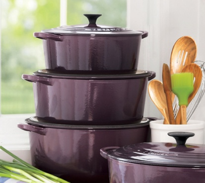 Le Creuset dutch oven in Cassis