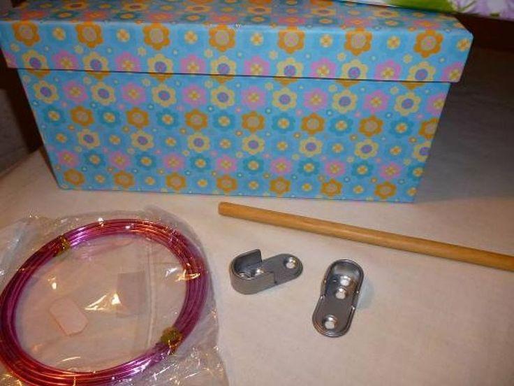 Para regalar a los más pequeños: un armario y perchas para las muñecas