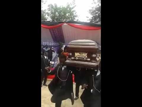 Танцы На Похоронах