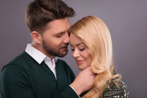lingo mature singles How to enjoy phone sex phone sex can be a fantastic way to connect with your partner, whether you're in a long distance relationship or just want to spice things up.
