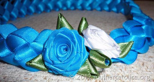 Cinto de fitas trançadas com rosas de fitas. Clique na imagem para ver mais fotos!!