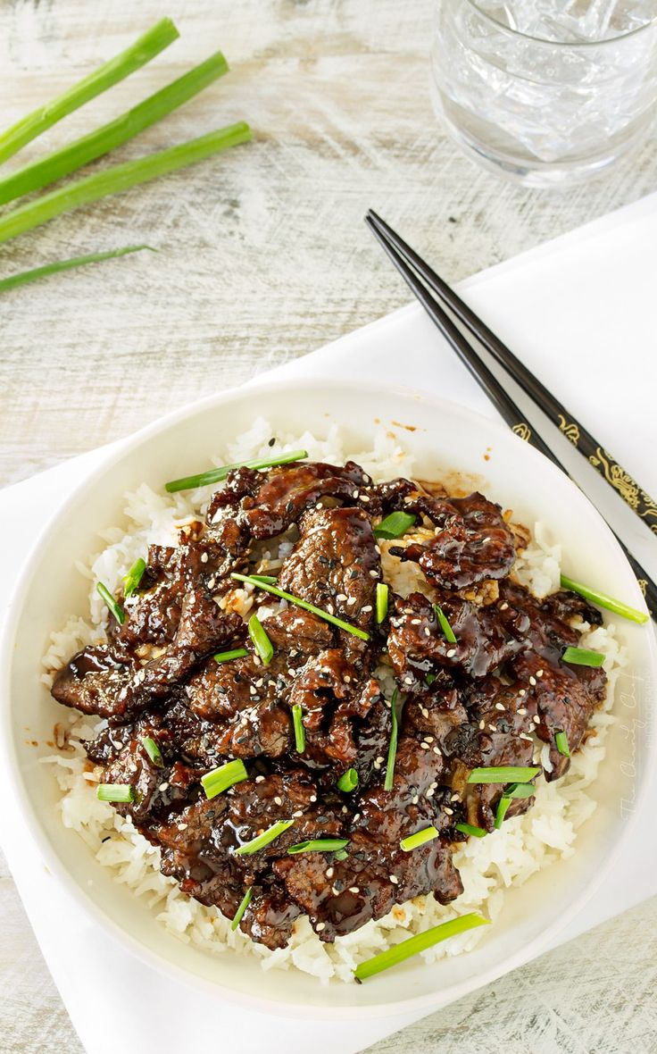Mongolian Beef   Mongolian beef is such a classic and delicious Asian dish... and easy to make at home! In just 30 minutes you'll have an incredible meal!   http://thechunkychef.com
