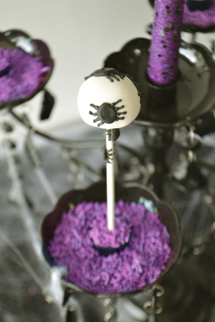 Spider Cake Pop by Bake Sale.