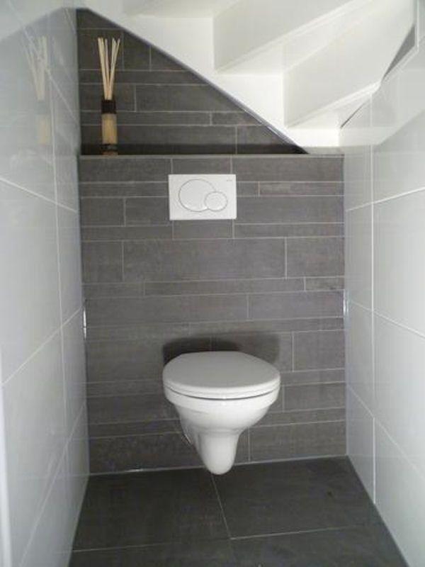 17 beste idee n over toilet beneden op pinterest kleine toiletruimte badkamer beneden en - Deco toilet grijs ...