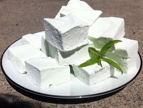 Lemon Verbena marshmallows? Where do I sign up??: Desserts Recipe, Verbena Marshmallows, Candy Stores, Christmas Candy, Homemade Marshmallows, Cooking, Lemon Verbena, Cookies Candy, Favorite Recipe
