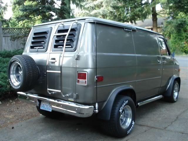 78 Chevy, Sporty, Shorty | 70's Custom Vans!!! | Gmc vans, Vans