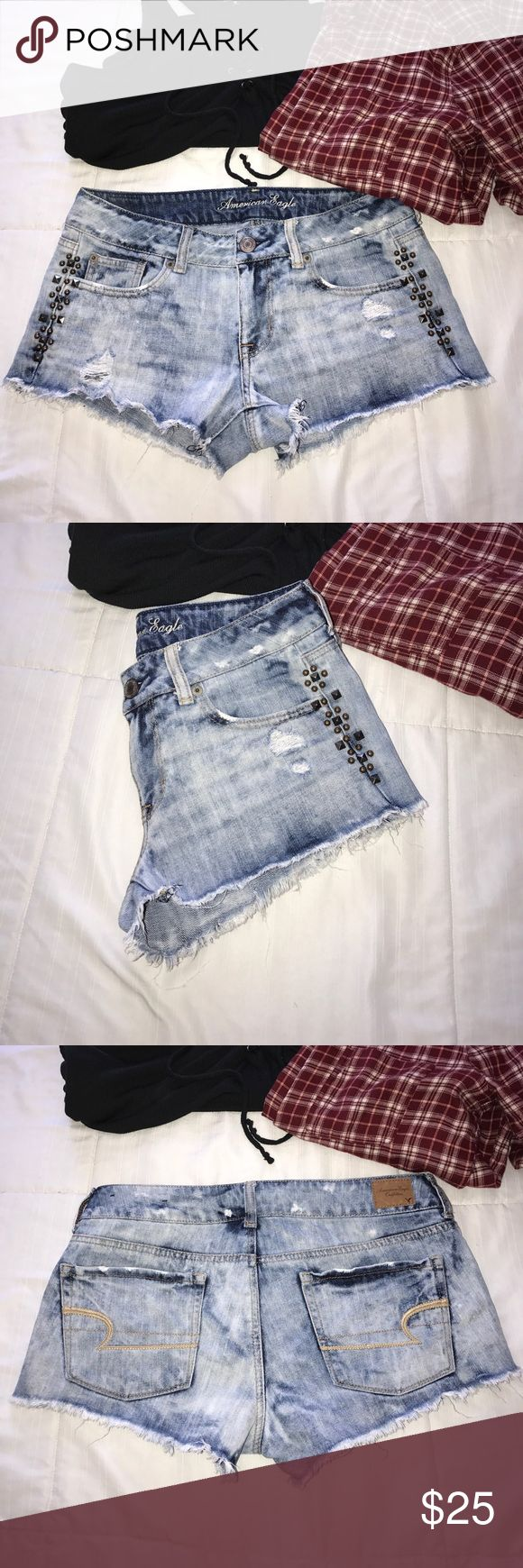 American Eagle Shorts American Eagle Shorts, size 4. In perfect condition, like new. Purchased from another posher, hopeful they'd fit me, but didn't 😭 I love these shorts! Studs are all in tact and there is no damage or stains 🌻 American Eagle Outfitters Shorts Jean Shorts