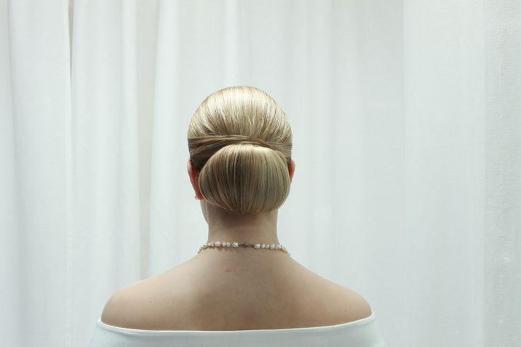 Classical bun for long hair. Hairdo by Emmi/Parturi-kampaamo Salon Maria Seinäjoki