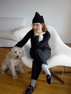 #MairaKalman is a frequent contributor to #TheNewYorker. She illustrated 'The Elements of Style', and wrote two books from her #NewYorkTimes articles. 'The Principles of Uncertainty' was a narrative journal of her life. 'And The Pursuit of Happiness' was an exploration of American History & democracy.   As a #designer, Kalman has worked with #IsaacMizrahi, #KateSpade, #MichaelMaharam, & #Target creating fabrics and accessories. She designed watches, clocks, umbrellas for #MOMA.
