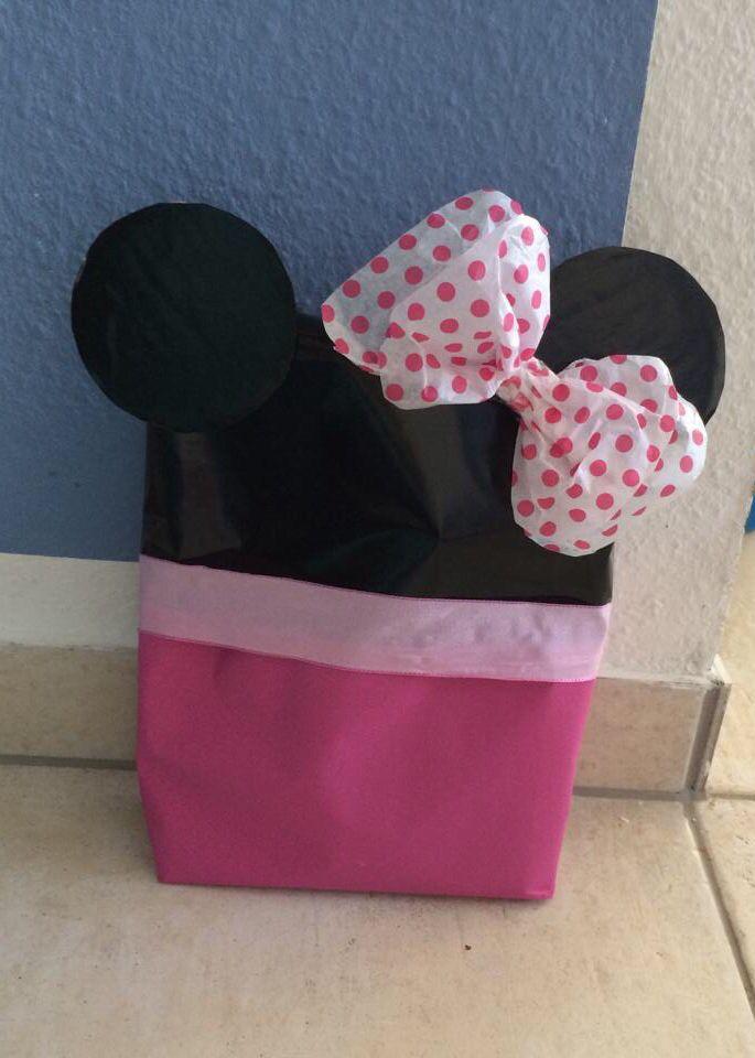 ber ideen zu mickey maus geschenke auf pinterest mickey mouse geburtstag maus. Black Bedroom Furniture Sets. Home Design Ideas