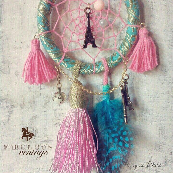 • Tosca Boho-chic Dreamcatcher • Ied Mubarak edition • Made by me, Jissyca dhea.  #dreamcatcher #boho #bohemian #vintage #craft #handmade #jissyca #tosca #royal #fabulousvintage