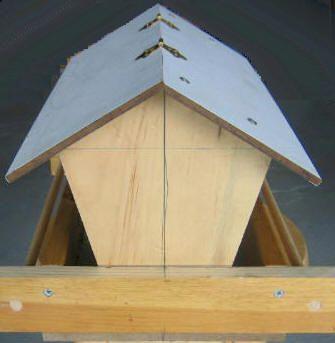 Free Bird feeder Plans - How To Build A Wild Bird Feeder