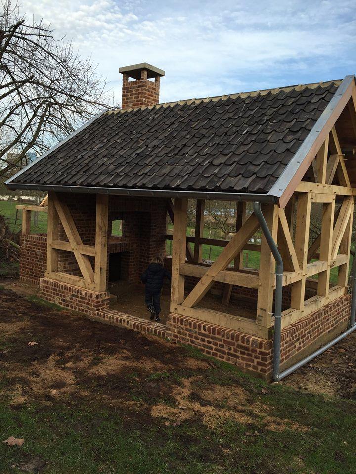 'vakwerk' bakhuis in aanbouw   hoogstamfruitboomgaard 'De Loorenhof', Welten, Heerlen