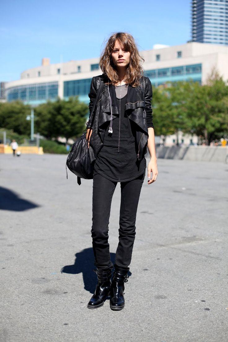 All black. Therefore I like! (Freja Beha Erichsen)