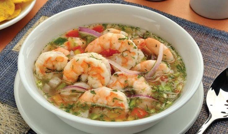 Una deliciosa receta peruana muy saludable Porciones: 4 personas INGREDIENTES ◗ 500 g de camarones ◗ 2 tomates ◗ 1 cebolla ◗ 2 limones ◗ 3 naranjas ◗ 1 cucharada de mostaza ◗ 1 cucharada de tabasco ◗ 1 cucharadita de ají ◗ Cilantro ◗ Sal y pimienta PREPARACION 1. Pelar los camarones. Con …