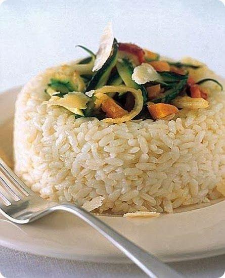 Anelli di riso bianco con verdure Il riso Baldo è una qualità di superfino non ancora molto conosciuta, ma che, grazie alla sua versatilità, si sta imponendo sempre di più sulle tavole.  E' un riso adatto sia per i risotti, sia per i risi al sugo, che per i timballi e le insalate fredde.