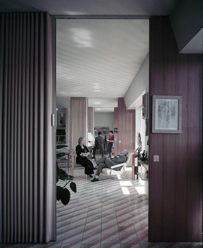 Vivere alla Ponti { Living Ponti-style }   Casa Via Dezza, Gio Ponti & family. Courtesy of Gio Ponti Archives / http://www.yatzer.com/vivere-alla-ponti