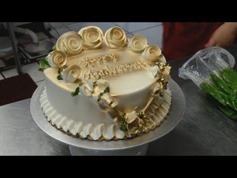 Украшение торта лентами, орнаментом и розами из крема. Торты на день рождения. Оформление тортов - YouTube