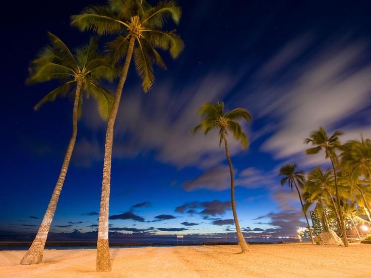 June 30, 2012    A Tropical Night in Waikiki, Hawaii