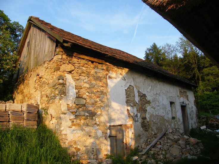 M. Gallovič: Probuzení v Ouběnicích (Historický dům s duchem rekonstruován v přírodním duchu) - stav r.2000