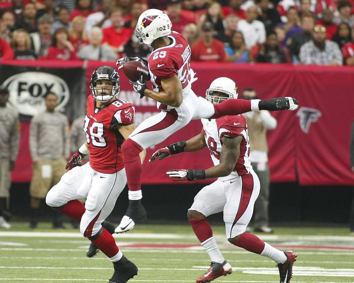 Arizona Cardinals Players Salary and Contracts: Having won 11 games in 2015 so far, the Arizona Cardinals' manager Keim is under pressure to create a new roster so that the team remains throughout the next game as well. The football team has opted for the free agency strategy this year. Already, the NFL roster salary cap was increased to around $143 million. With an additional carryover of last year's salary cap, the Cardinals were able to in