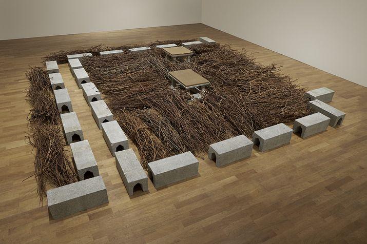 Mario Merz | Un lavoro, una misura di terra che dona un quadro terrestre; 1987, Pace Gallery