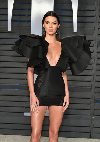 Kendall Jenner - The Most Daring Dresses at the 2018 Oscars - Photos