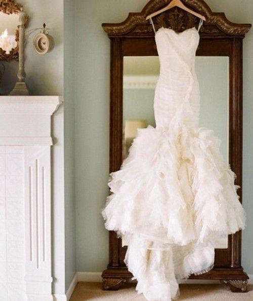 37 Mermaid Wedding Dresses To Highlight Your Curves | HappyWedd.com