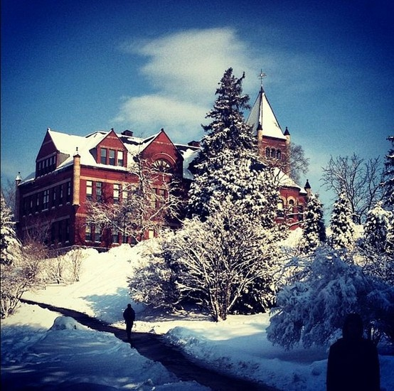 Photo of T Hall in the snow by UNH student @mronan_816